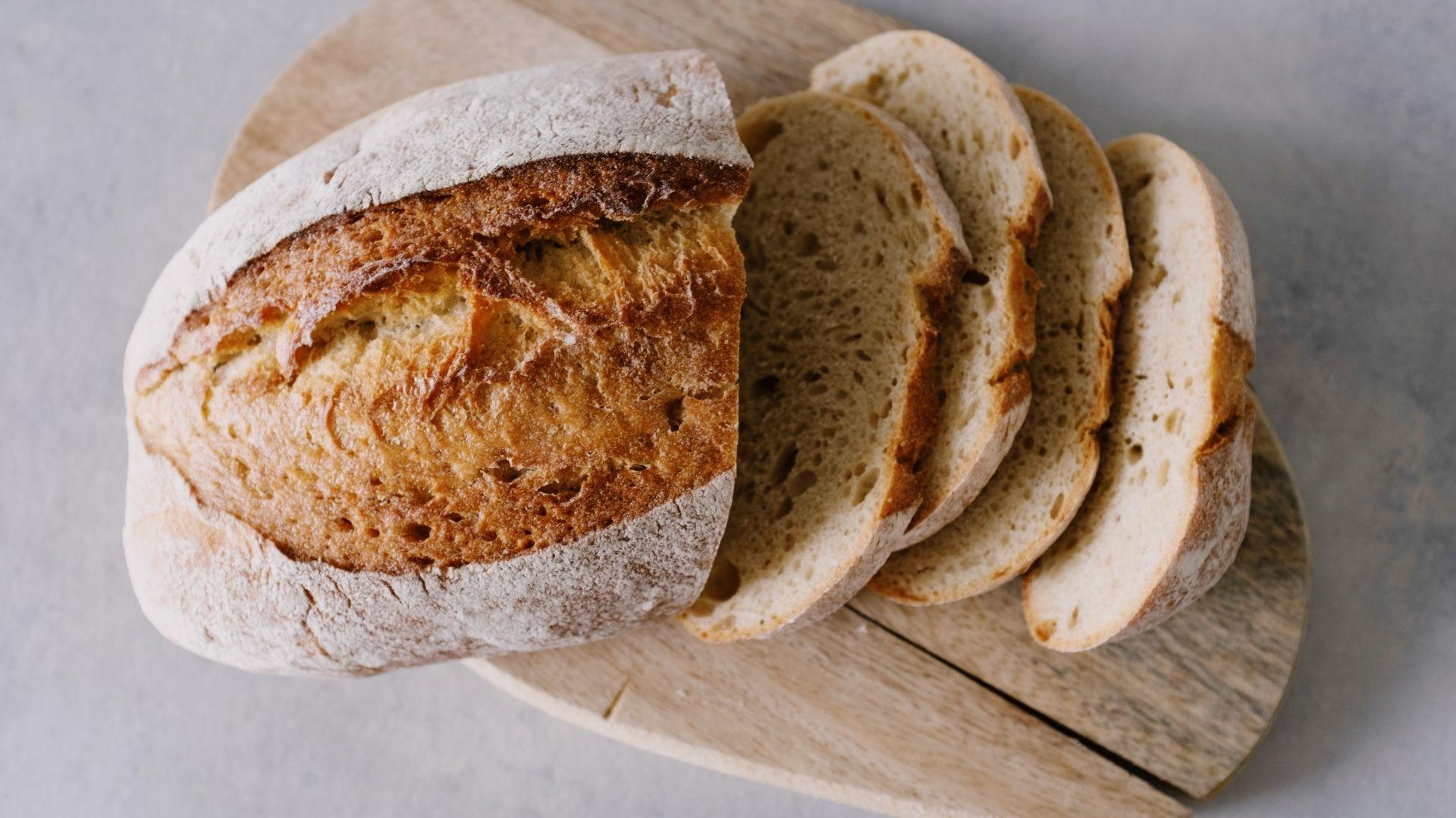 02 Scheibe Brot Kalorien - ©www.canva.com