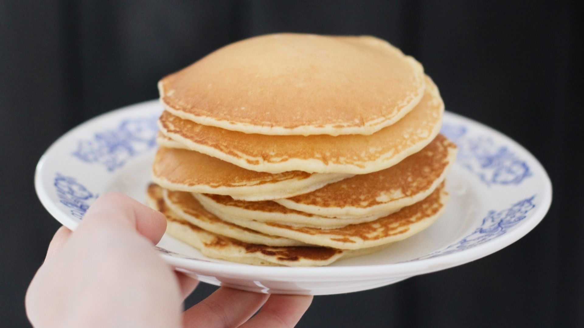 01 Protein Pancakes - ©www.canva.com